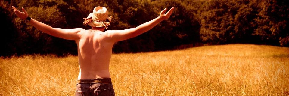 Homme dans un champ large photo par practicalowl e1347657848562 - 9 choses à faire, même si vous êtes jugés