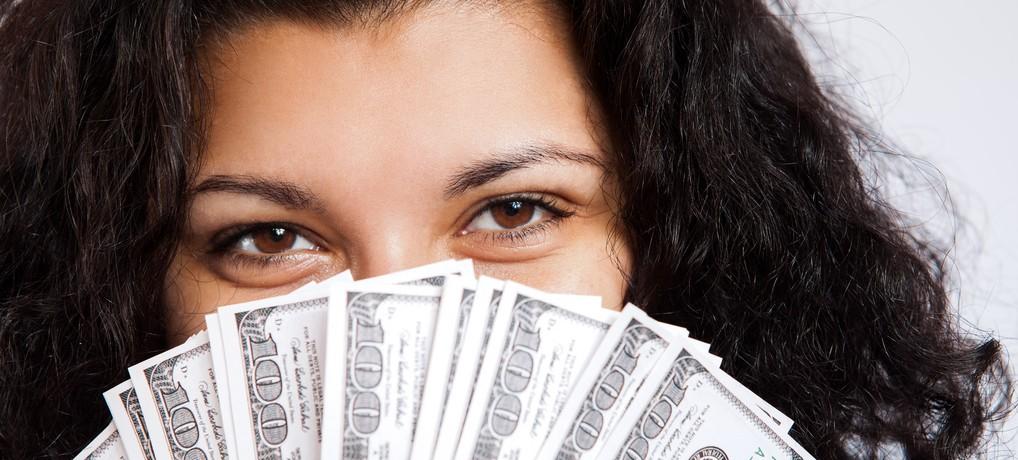money girl photo par tax credits e1425663605677 - L'argent : 5 croyances qui enchaînent votre vie