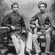 Gandhi and Sheikh Mehtab 180x180 - Mahatma Gandhi Biographie