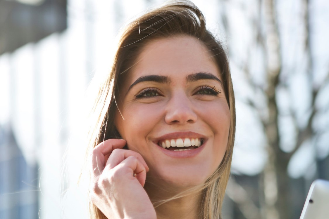 Heureux : 10 petites améliorations de soi pour l'être plus